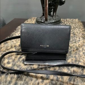 COACH WALLET WITH STRAP